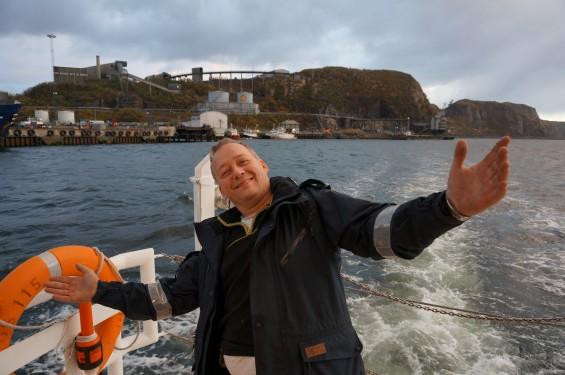 Happy-Norwegian-pilot-565x375.jpg
